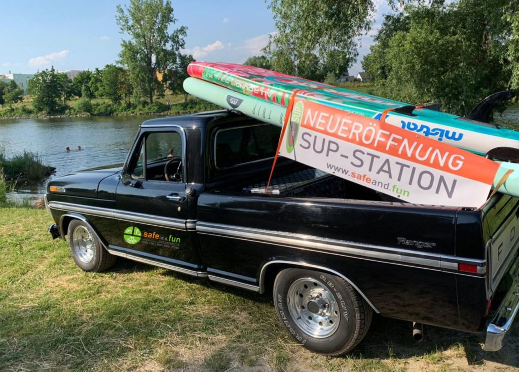 SUP-Truck-safeand.fun-4, Stand Up Paddeling, SUP, SUP Verleih, SUP Station, SUP Mietstation, Bootverleih, Kanuverleih, Fahrradverleih, Bike-Verleih, Kanu, Boote, Verkauf, Test, Verleih, Stand Up Paddeling Verleih, Stand Up Paddeling Vermietung, Stand Up Paddeling Station, Stand Up Paddeling Mietstation, Regensburg, Donau, Regen, Naab