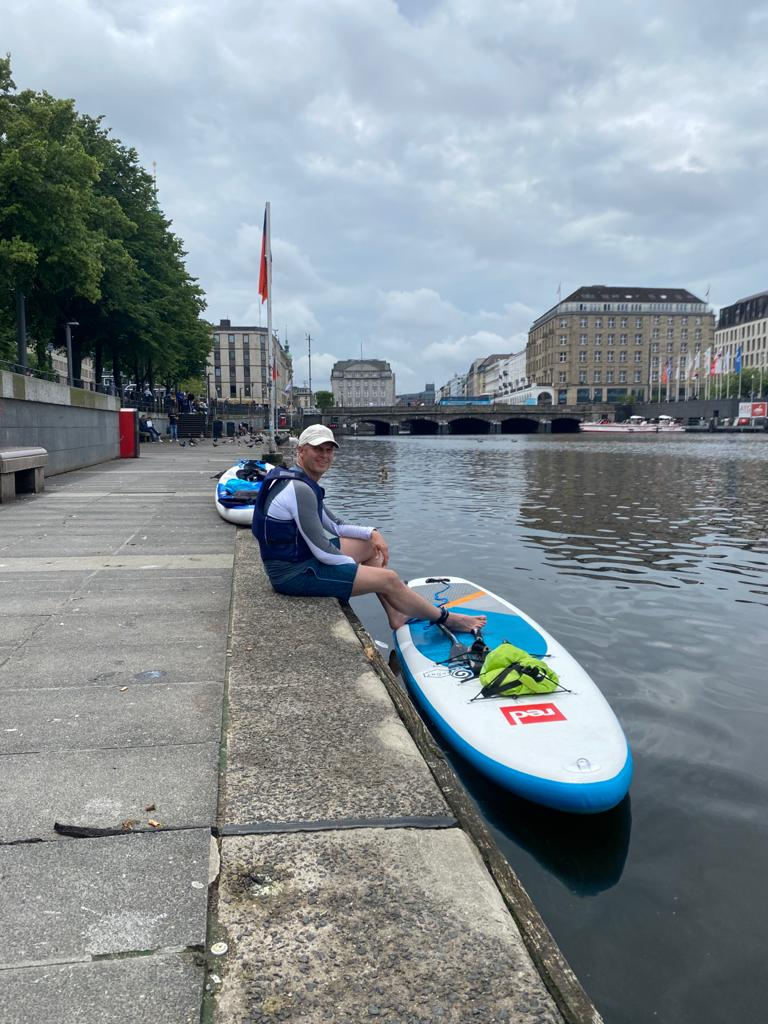 SUP-Ausflug Hamburg mit kurzer Pause