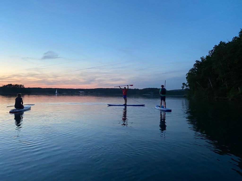 SUP-Sport-Natur-Freunde-Regensburg e.V. unterwegs in der Dämmerung