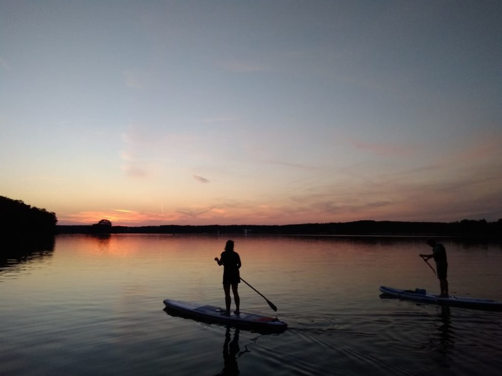SUP-Tour mit safeand.fun, Stand up Paddling, Stehpaddeln bei Nacht